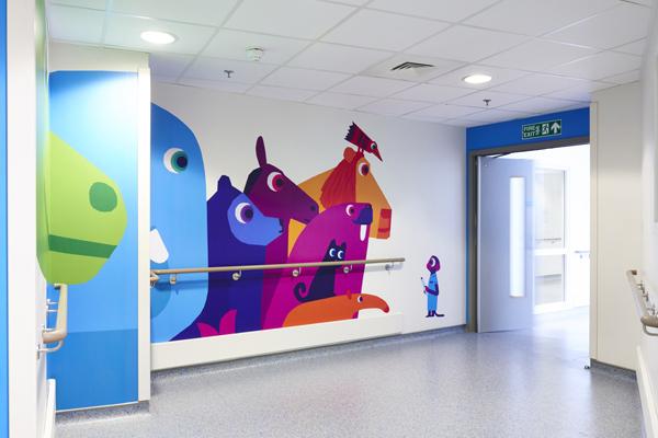 PR_website_Family-kitchen-corridor-doors-openCH-600x400